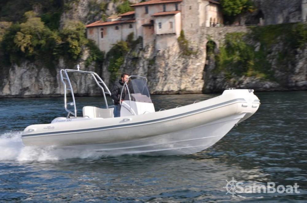 Bootsverleih Hyères günstig 590 freedom