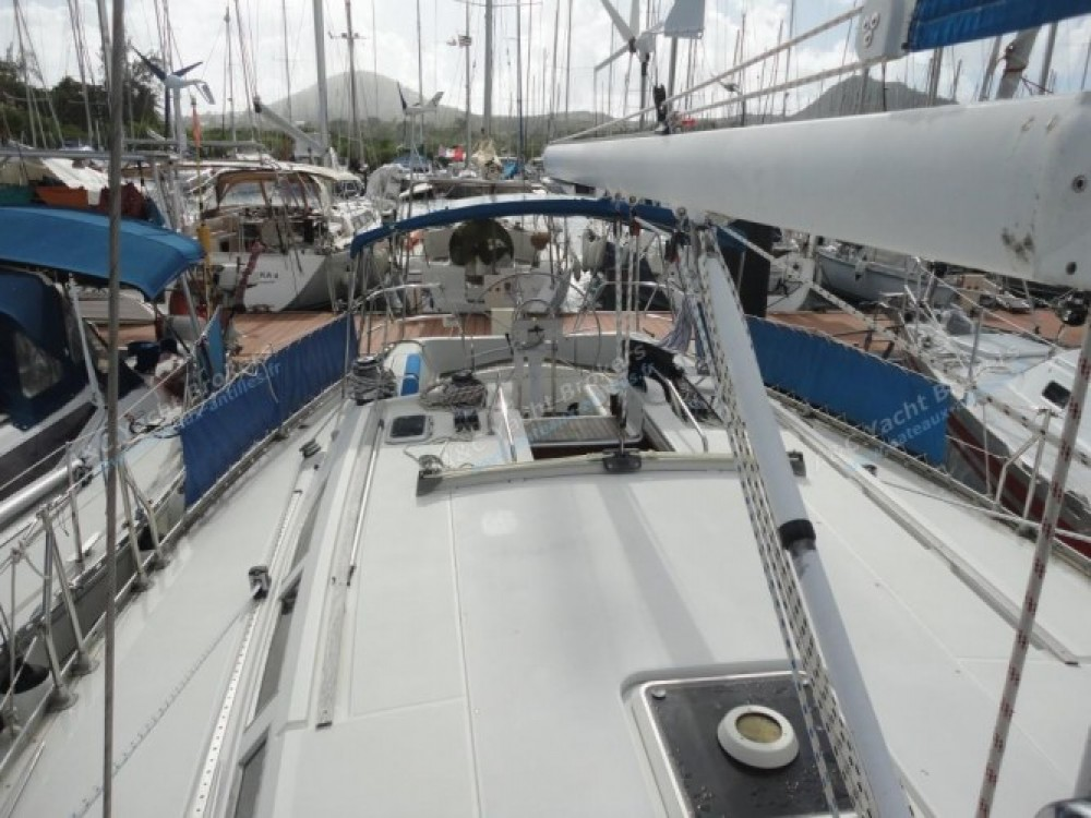 Jeanneau Sun Odyssey 47 zwischen Privatpersonen und professionellem Anbieter Marina du Marin