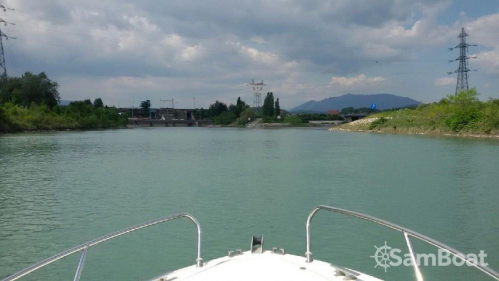 Motorboot mit oder ohne Skipper Jeanneau mieten in Virignin