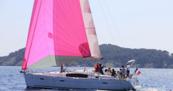Bénéteau Oceanis 40 zwischen Privatpersonen und professionellem Anbieter La Ciotat
