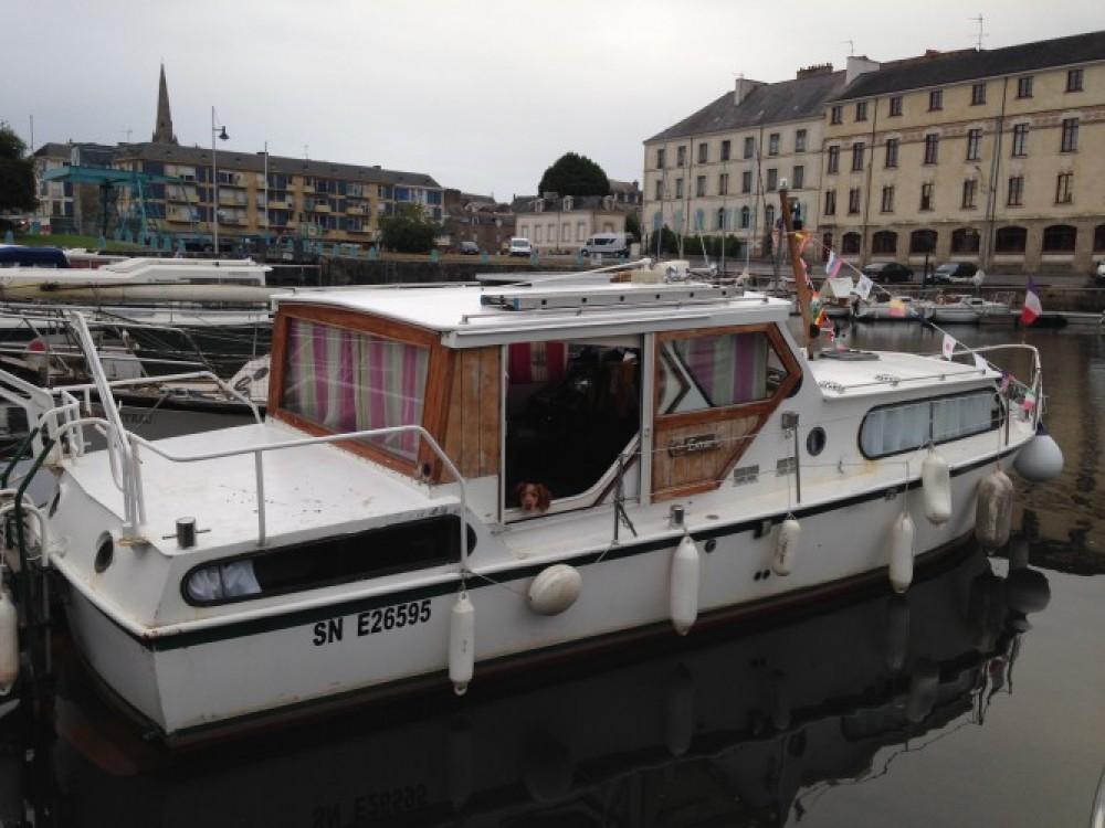 Vermietung Motorboot Bravo mit Führerschein
