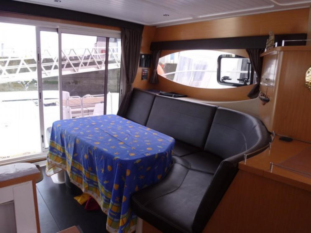 Vermietung Motorboot Fountaine Pajot mit Führerschein