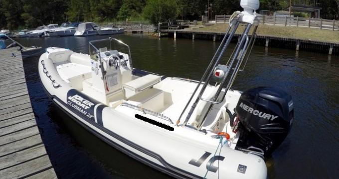 Joker Boat Clubman 22 zwischen Privatpersonen und professionellem Anbieter Arcachon