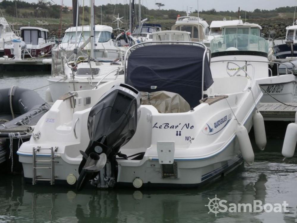 Motorboot mieten in Noirmoutier-en-l'Île - Quicksilver Quicksilver 635 Commander