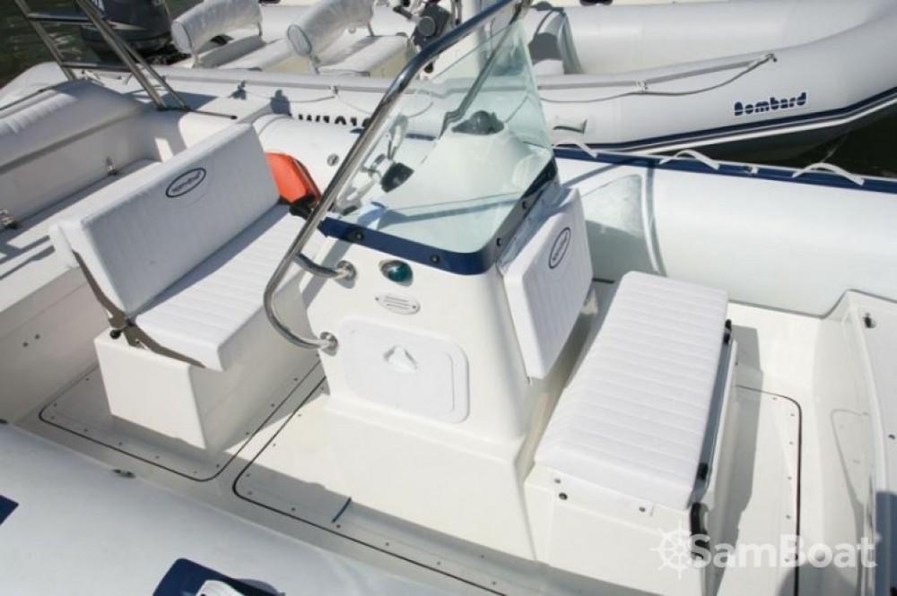 Schlauchboot mit oder ohne Skipper Northstar mieten in Lorient