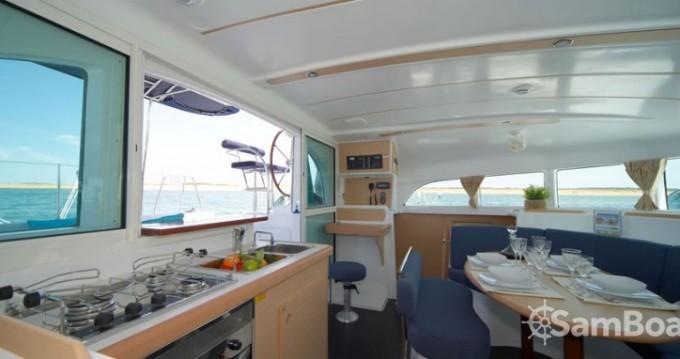 Yacht-Charter in Le Marin - Lagoon Lagoon 380 auf SamBoat