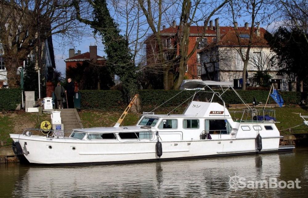 Hausboot mieten in Paris zum besten Preis