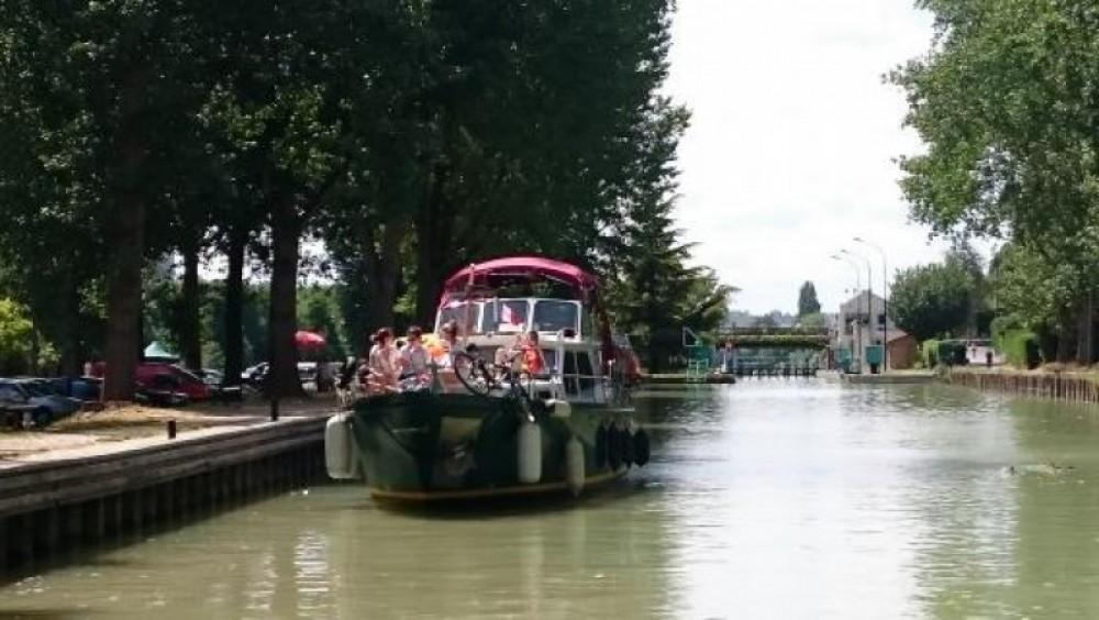 Motorboot mit oder ohne Skipper Valkkruiser mieten in Paris