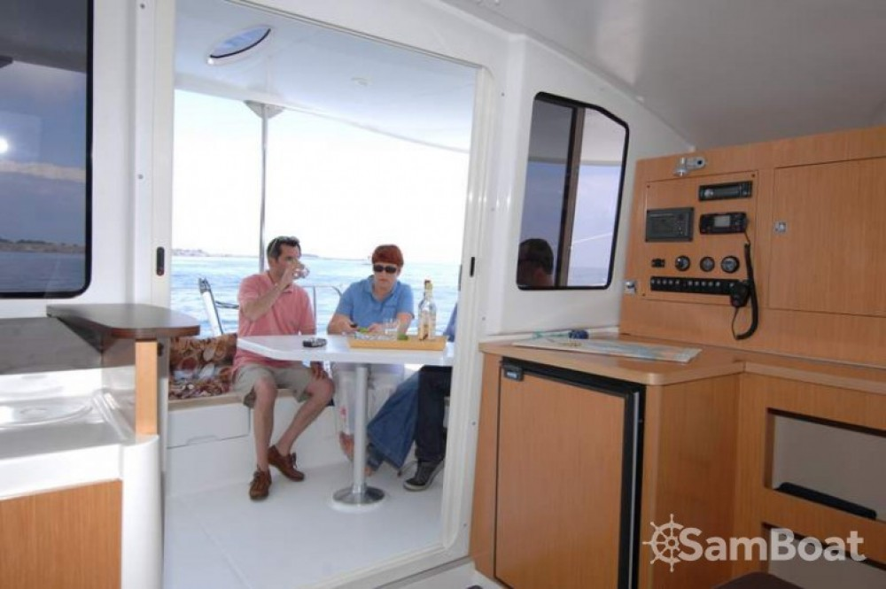Ein Fountaine Pajot Mahe 36 Evolution mieten in Martinique