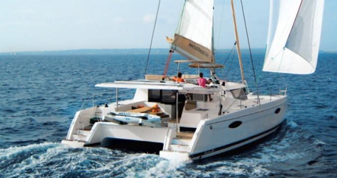 Helia 44 zwischen Privatpersonen und professionellem Anbieter Martinique