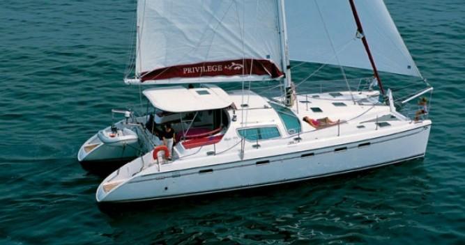 Alliaura-Marine Privilege 495 zwischen Privatpersonen und professionellem Anbieter Le Marin