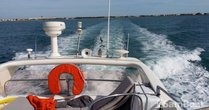 Motorboot mieten in Port Camargue zum besten Preis