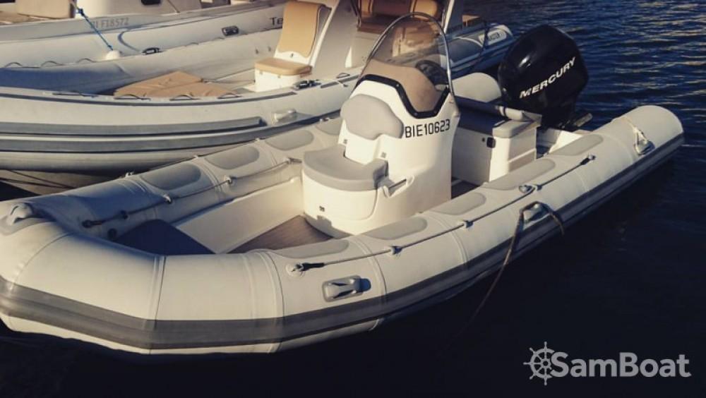 Bootsverleih Saint-Florent günstig Valiant 570 Vanguard