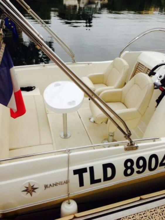 Yacht-Charter in Cannes - Jeanneau Cap Camarat 635 auf SamBoat