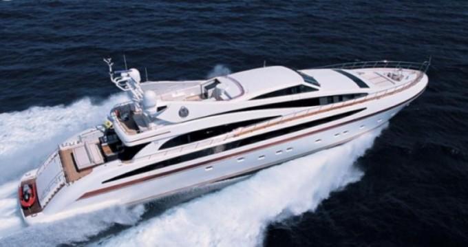 International-Shipyard Ancona zwischen Privatpersonen und professionellem Anbieter Cannes