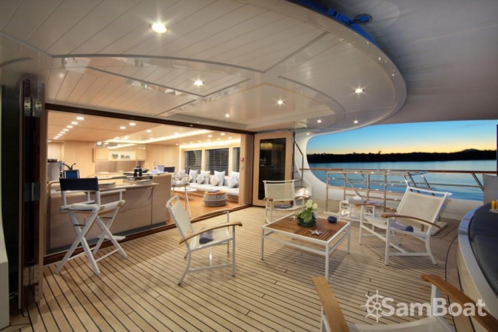 Lynx-Yachts Lynx zwischen Privatpersonen und professionellem Anbieter Golfe-Juan