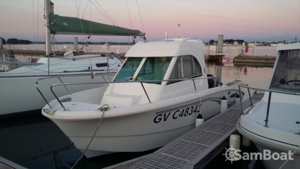 Motorboot mit oder ohne Skipper Bénéteau mieten in Loctudy