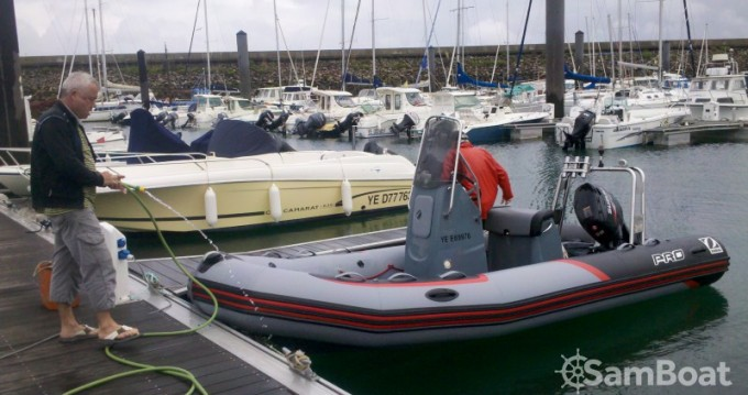 Yacht-Charter in L'Île-d'Yeu - Zodiac PRO RACING 5. auf SamBoat