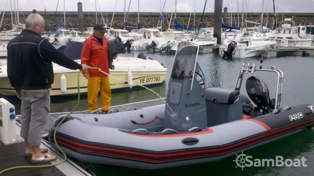 Bootsverleih Zodiac PRO RACING 5. L'Île-d'Yeu Samboat