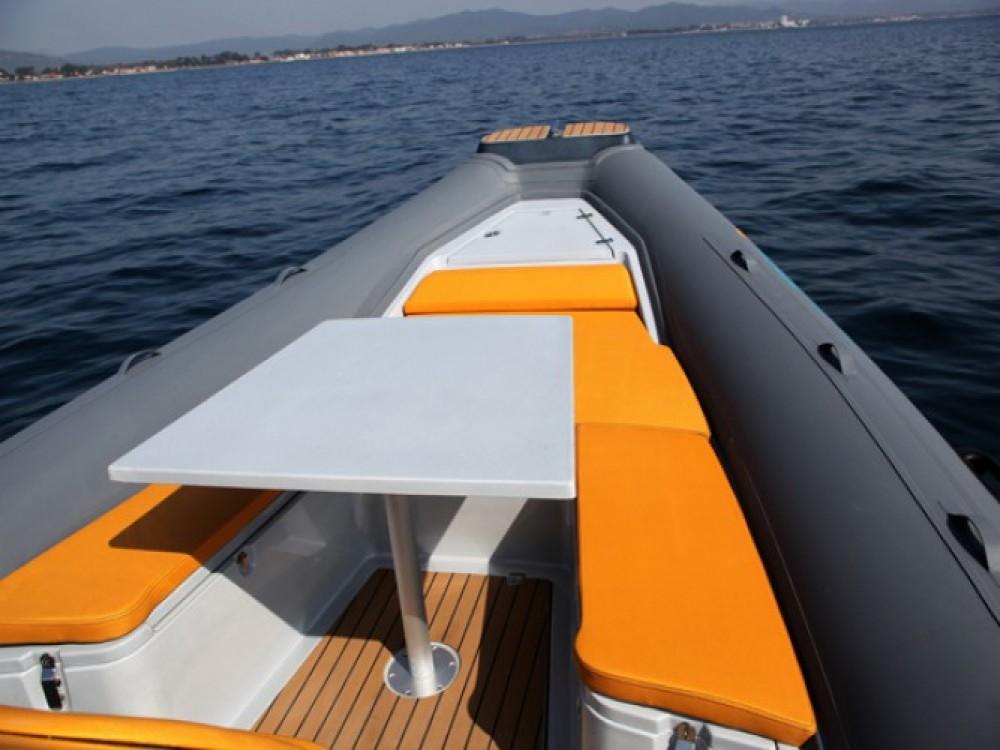 Schlauchboot mit oder ohne Skipper Italboats mieten in Hyères