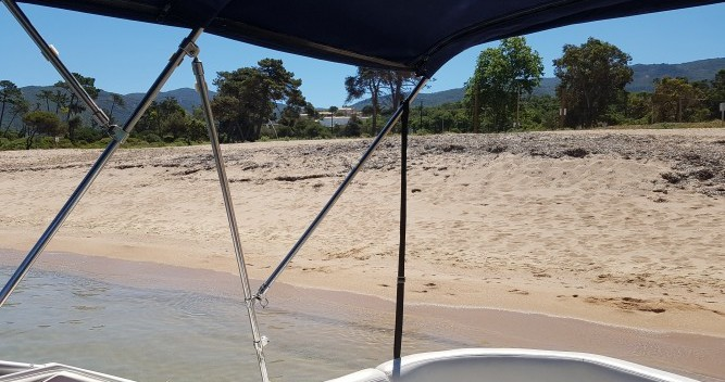 Motorboot mit oder ohne Skipper Four Winns mieten in Ajaccio
