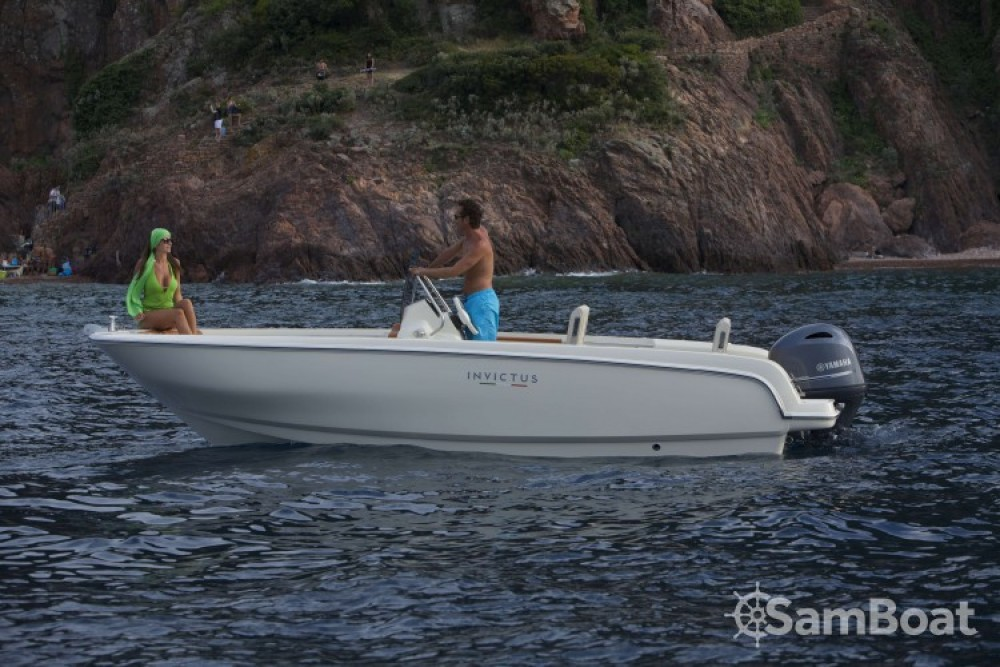 Yacht-Charter in  - Invictus  Invictus 190 FX auf SamBoat