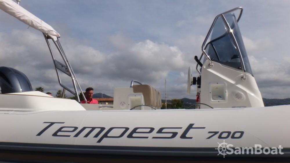 Schlauchboot mit oder ohne Skipper Capelli mieten in Sainte-Maxime