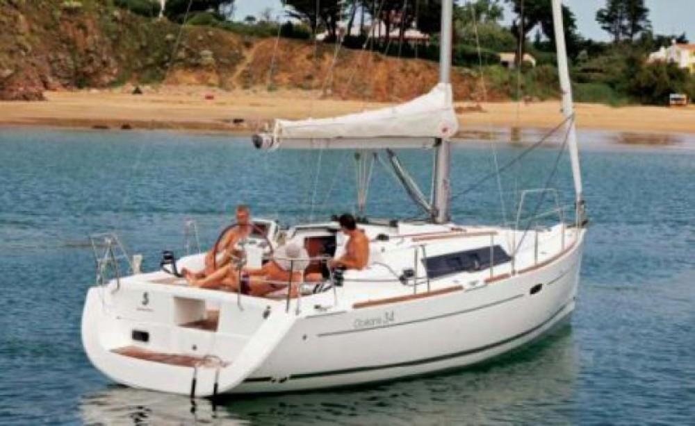 Bénéteau Oceanis 34 zwischen Privatpersonen und professionellem Anbieter Arzon