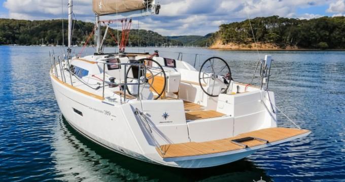 Ein Jeanneau Sun Odyssey 389 DL mieten in Port du Crouesty