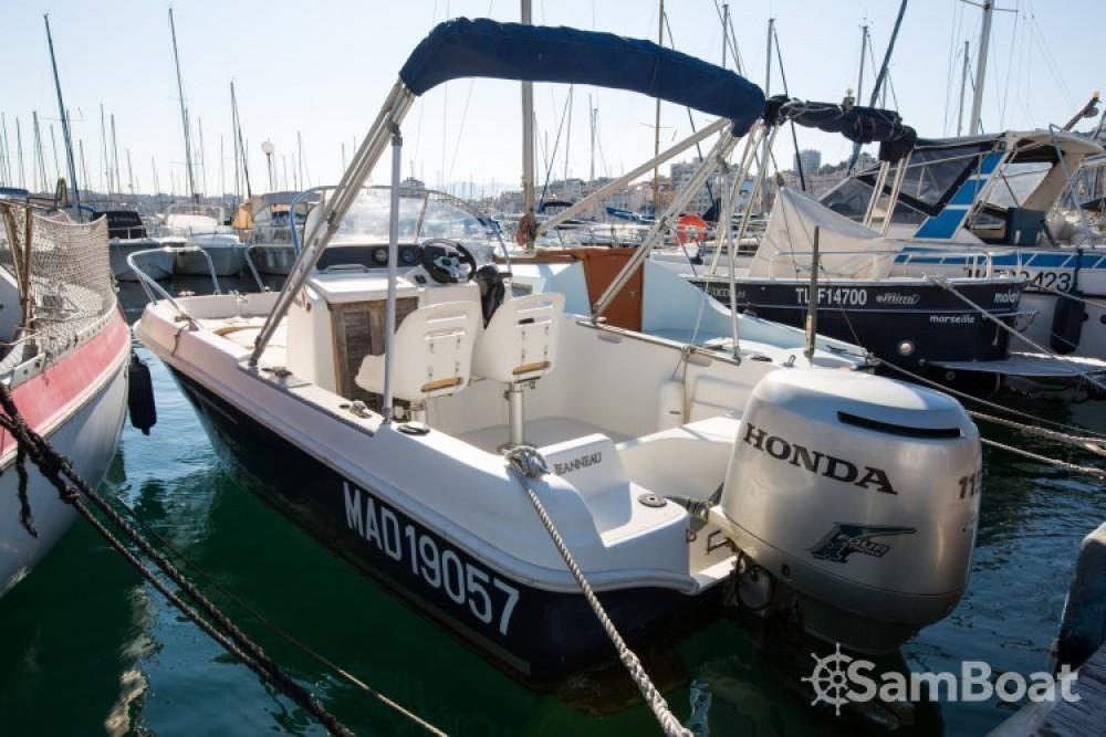 Jeanneau Cap Camarat 545 WA zwischen Privatpersonen und professionellem Anbieter Marseille
