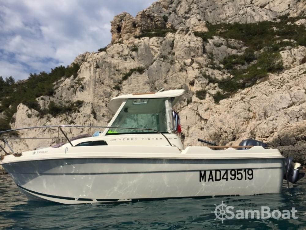 Jeanneau Merry Fisher 530 zwischen Privatpersonen und professionellem Anbieter Marseille