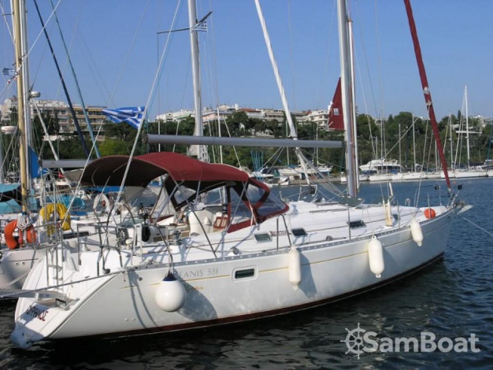 Yacht-Charter in Kalafationes - Bénéteau Oceanis 381 auf SamBoat