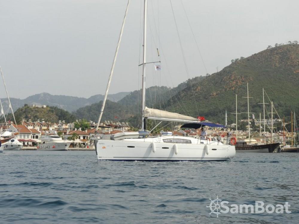 Ein Bénéteau Oceanis 40 mieten in Marmaris