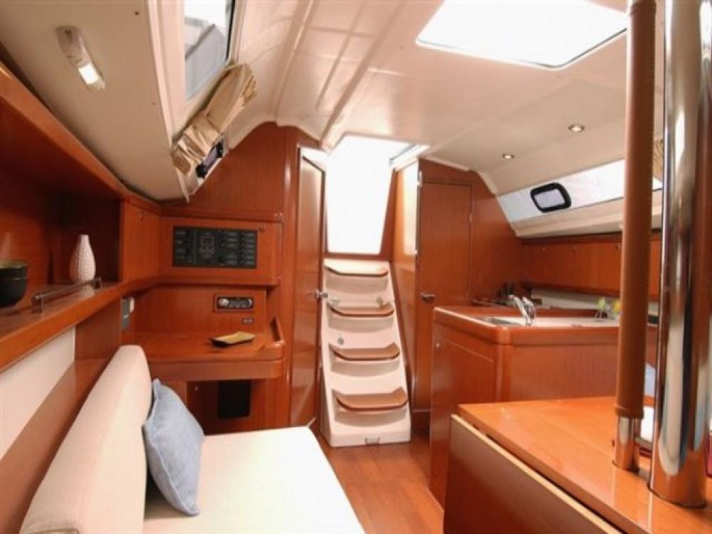 Yacht-Charter in Trau - Bénéteau Oceanis 31 auf SamBoat