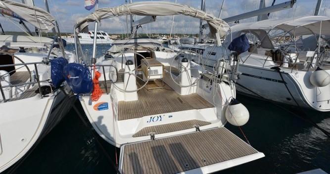 Bavaria Cruiser 40 zwischen Privatpersonen und professionellem Anbieter Pirovac
