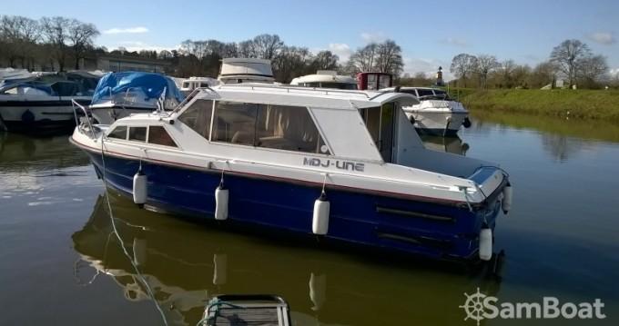 Bounty-Boats Buccaneer 27 S zwischen Privatpersonen und professionellem Anbieter Messac
