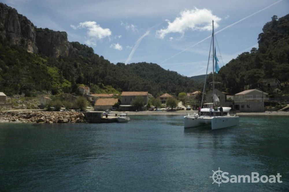 Lagoon Lagoon 39 zwischen Privatpersonen und professionellem Anbieter Split