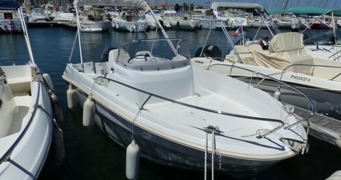 Motorboot mit oder ohne Skipper Jeanneau mieten in Saint-Cyprien