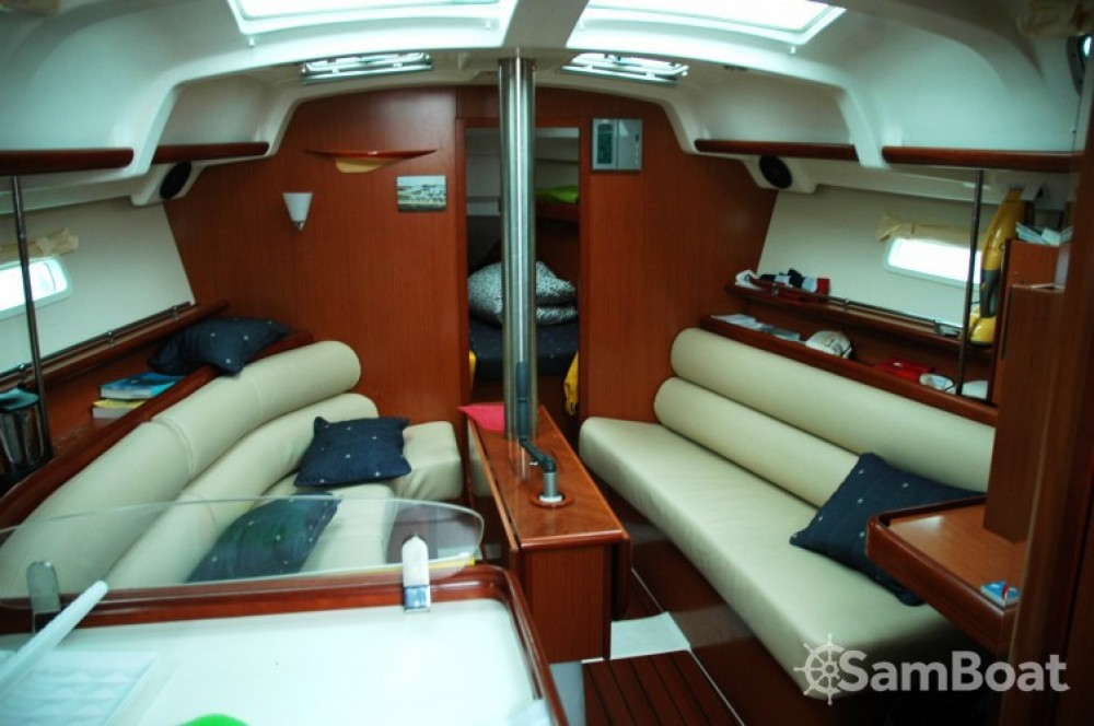 Bootsverleih Bénéteau Oceanis 343 DL Arradon Samboat