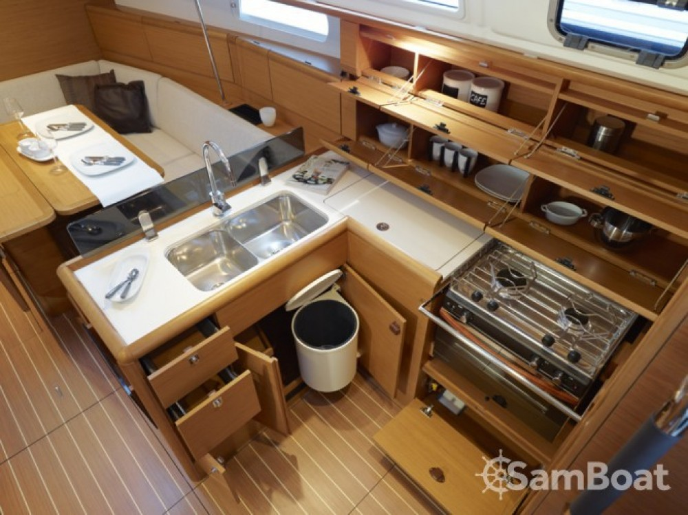 Segelboot mit oder ohne Skipper Jeanneau mieten in Ajaccio