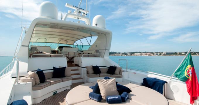 Yacht-Charter in Saint-Tropez - Mangusta 32 auf SamBoat