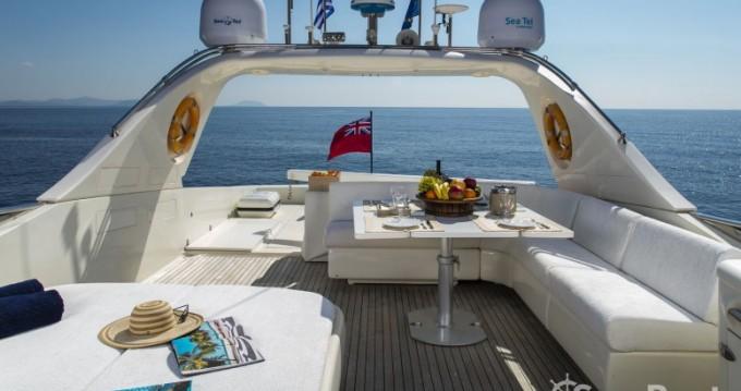 Ein Canados yacht mieten in Athen