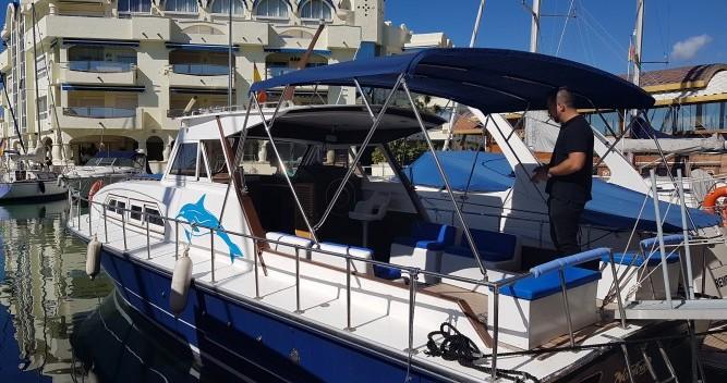 Motorboot mit oder ohne Skipper Chris Craft mieten in Castillo de la Duquesa