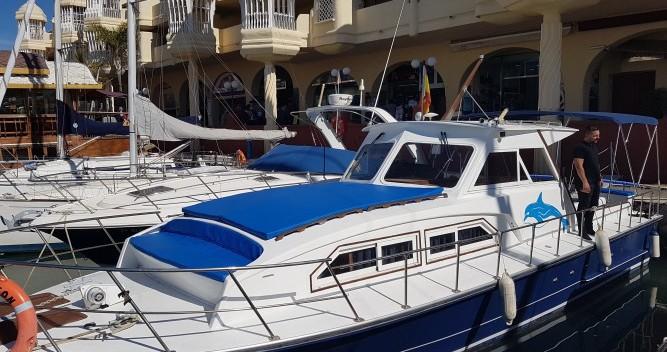 Motorboot mieten in Castillo de la Duquesa - Chris Craft Commander