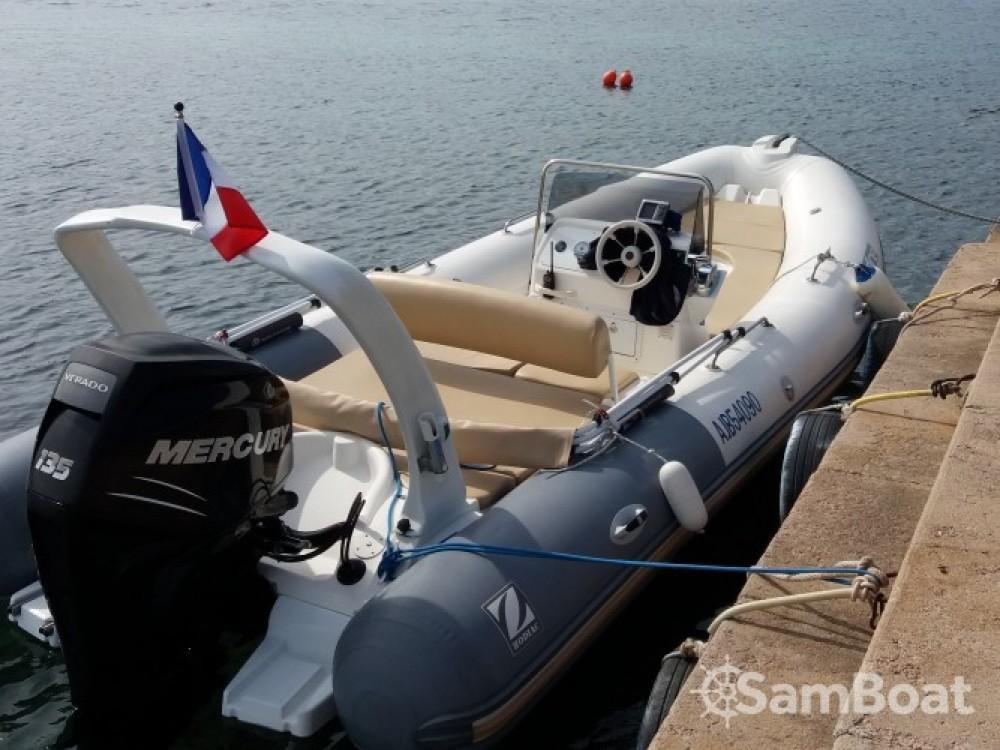 Yacht-Charter in  - Zodiac Medline auf SamBoat