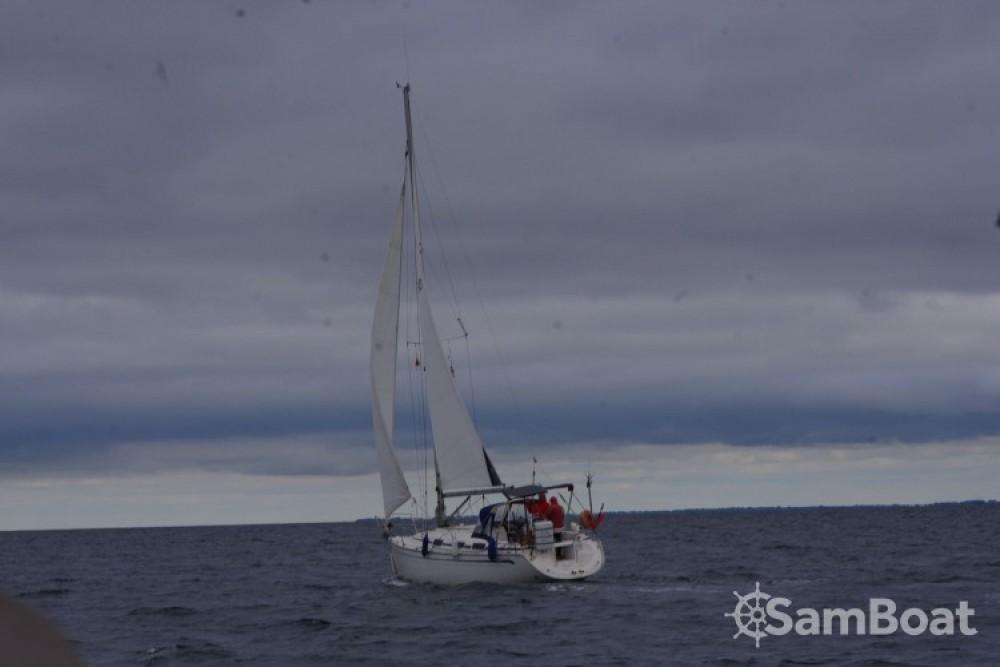 Bavaria Bavaria 30 Cruiser zwischen Privatpersonen und professionellem Anbieter La Rochelle