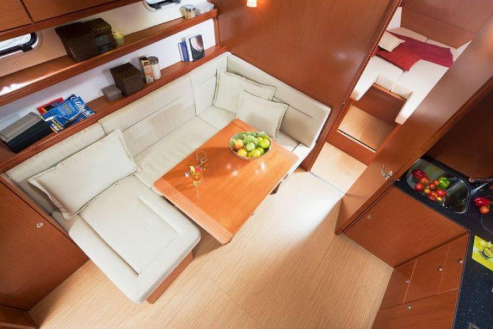Yacht-Charter in Cannes - Bavaria Bavaria 38 Hard Top auf SamBoat