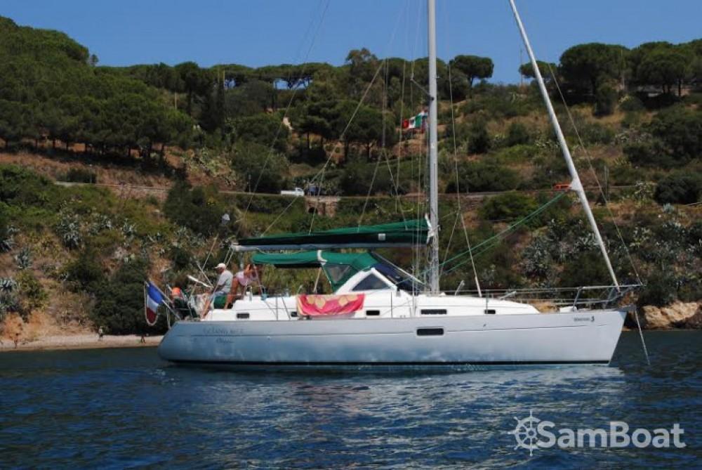 Bénéteau Oceanis 36 CC zwischen Privatpersonen und professionellem Anbieter Golfe-Juan