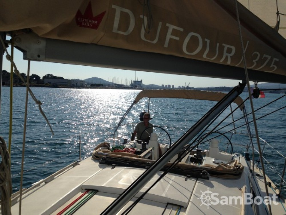 Ein Dufour Dufour 375 mieten in Sanary-sur-Mer
