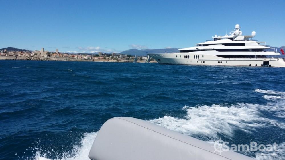 Schlauchboot mit oder ohne Skipper Capelli mieten in Antibes